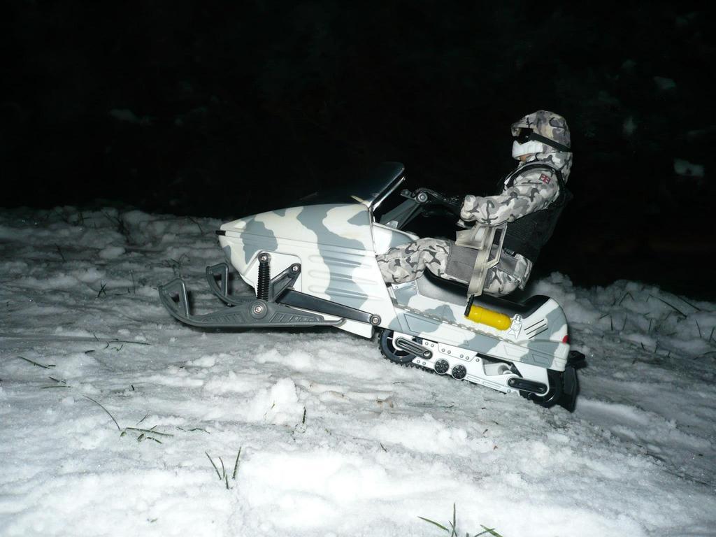 Lanards SKIDOO aka Snow mobile 705189_10151666326349782_329165456_o_zps1lhvcz2a