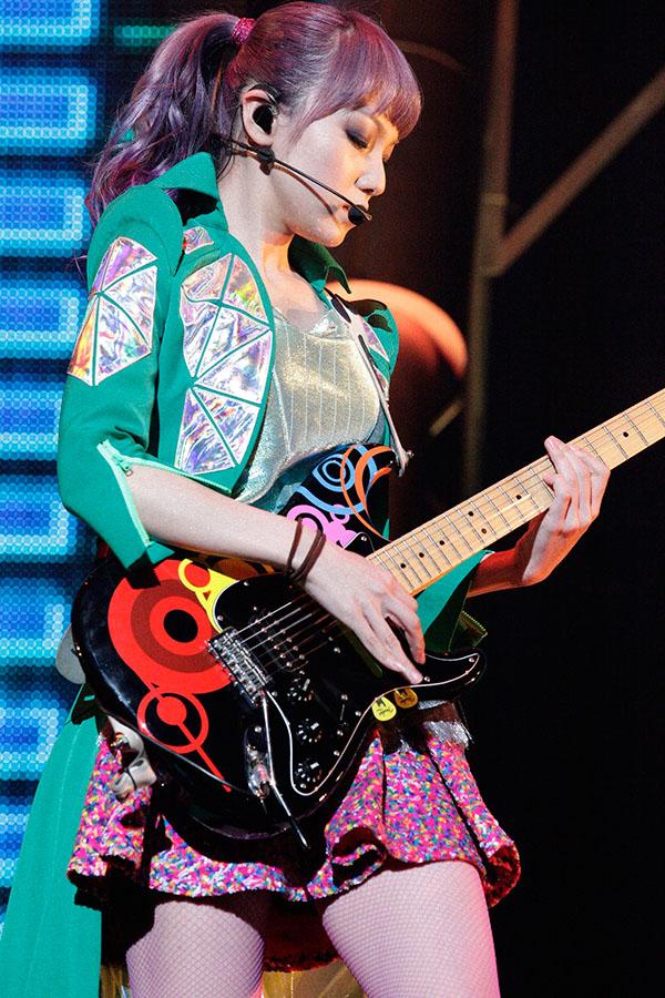 SCANDAL OSAKA-JO HALL 2013「Wonderful Tonight」 - Page 3 Scandal-osaka-jo-hall-mami_zps778d47f4