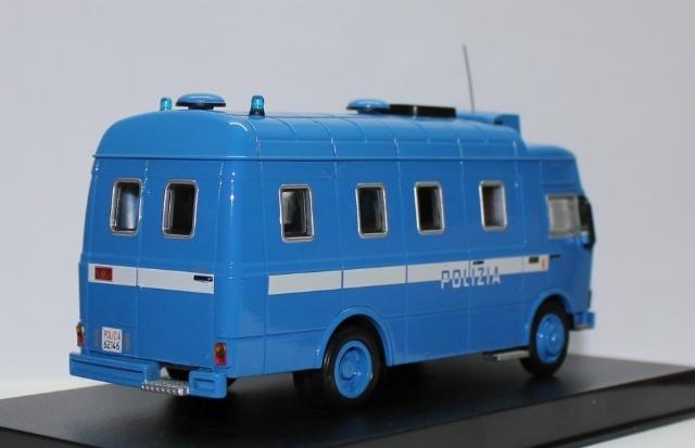 Italy - Polizia 3d6baf67-571e-42a0-b89b-d33cd8b61237_zps449bf783