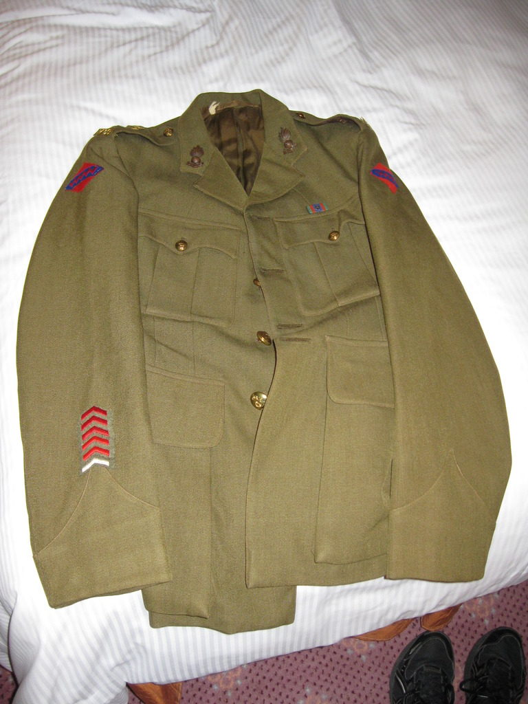 Service Dress tunic and trousers named to a Great Uncle  IMG_2994_zpswhjndy7c