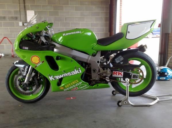 Kawasaki ZXR 750 - Page 4 29052008025600x450