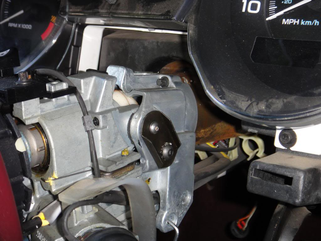 FAQ: Steering Column Slop, Problems & Replacement - Page 10 Rivdash_bracket_installed_zps4dd45d19