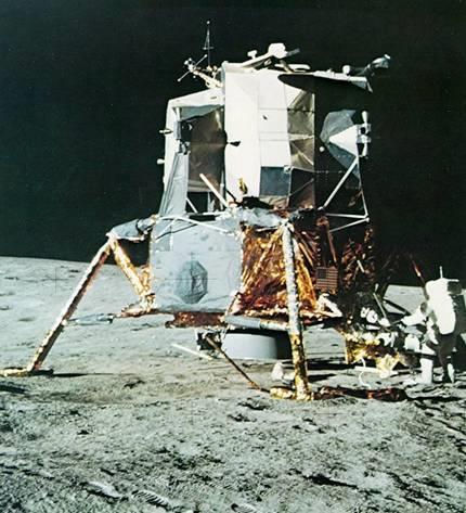1969 Moon Landing - Page 2 LunarLanderJunk_zpsb8dd2f41