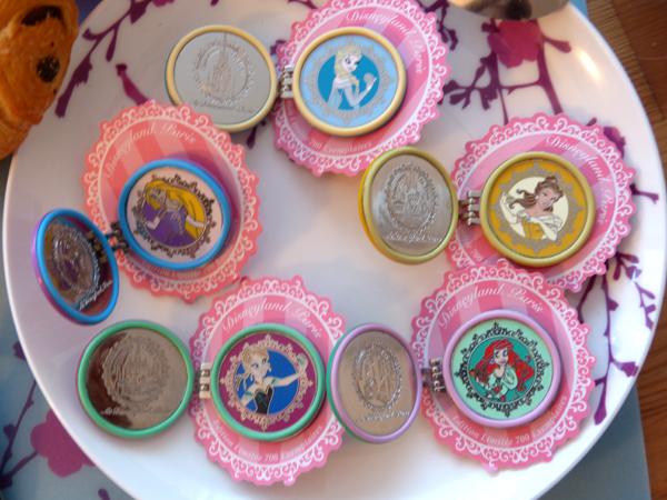 Pin Trading Event - Princess Tea Time - 30 Août 2014 - Page 5 P1090325_zpsb1c72931