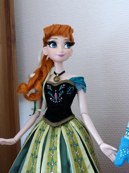 Disney Store Poupées Limited Edition 17'' (depuis 2009) - Page 39 P1160783_zpsd2msdne6