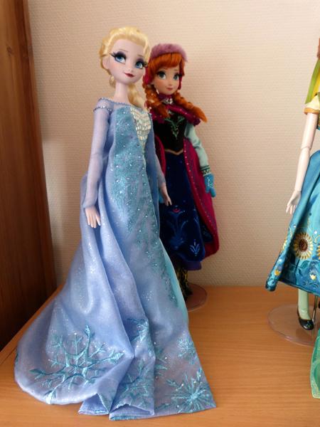 Disney Store Poupées Limited Edition 17'' (depuis 2009) - Page 39 P1160796_zpsvqbnsiet