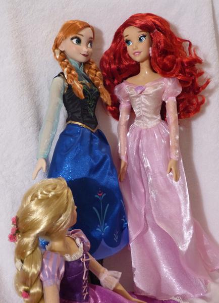 Disney Princesses Singing Dolls P1050683_zps4abad106