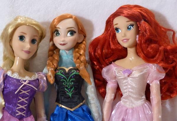 Disney Princesses Singing Dolls P1050687_zps8037f421