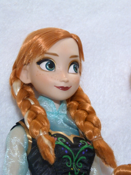 Disney Princesses Singing Dolls P1050703_zps27ef9f51