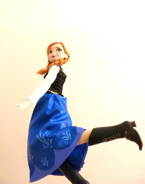 Disney Princesses Singing Dolls P1050731_zps7b36e47f