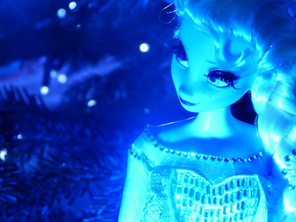 La reine des neiges /ou/ Frozen - Page 2 P1060168_zps2df32083
