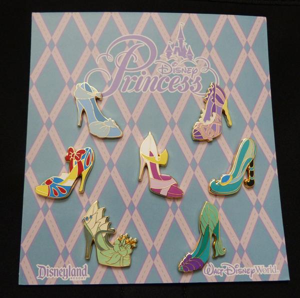 Chaussures miniatures disney (ornement) - Page 3 P1060430_zps2e5767dd