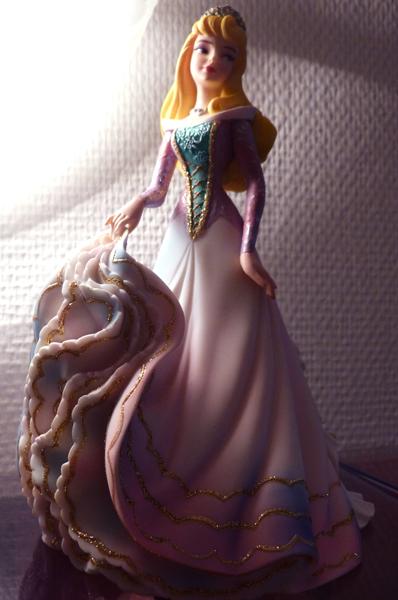 Disney Haute Couture - Enesco (depuis 2013) - Page 5 P1060838_zps96cbe38c