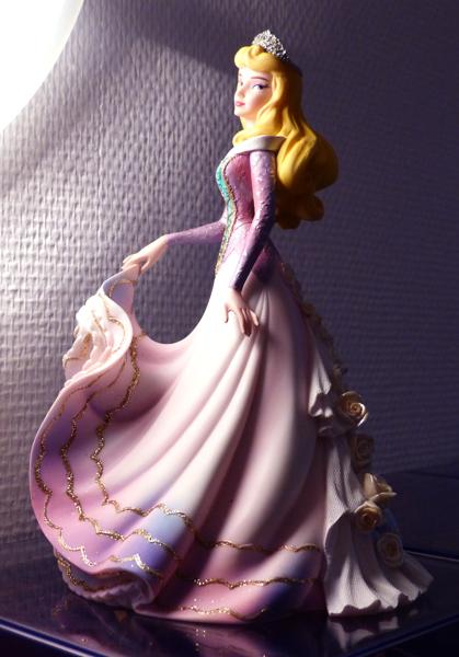 Disney Haute Couture - Enesco (depuis 2013) - Page 5 P1060841_zps5dd90e15