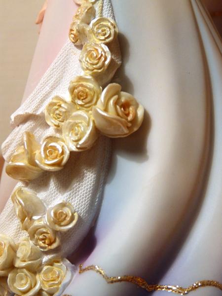 Disney Haute Couture - Enesco (depuis 2013) - Page 5 P1060847_zpsbb3edea9