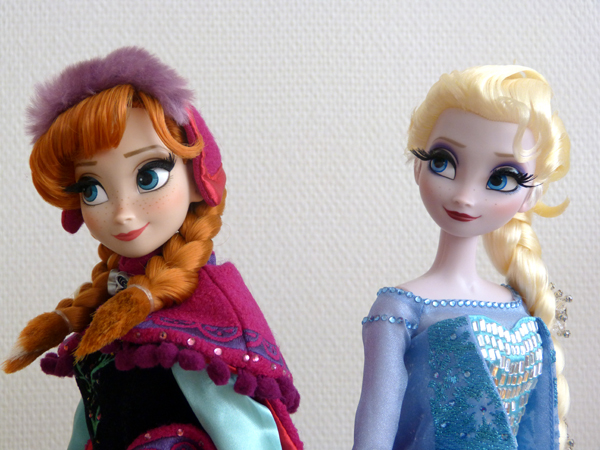 Disney Store Poupées Limited Edition 17'' (depuis 2009) - Page 6 P1070679_zpsee499d87