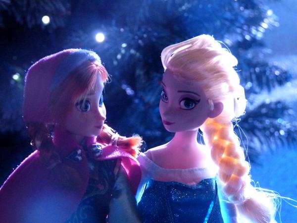 La reine des neiges /ou/ Frozen - Page 2 P1360629_zps708acffe