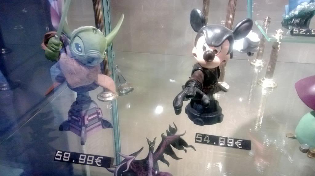 Disney Busts - Grand Jester Studios (depuis 2009) WP_20130412_009_zpscd1f412c