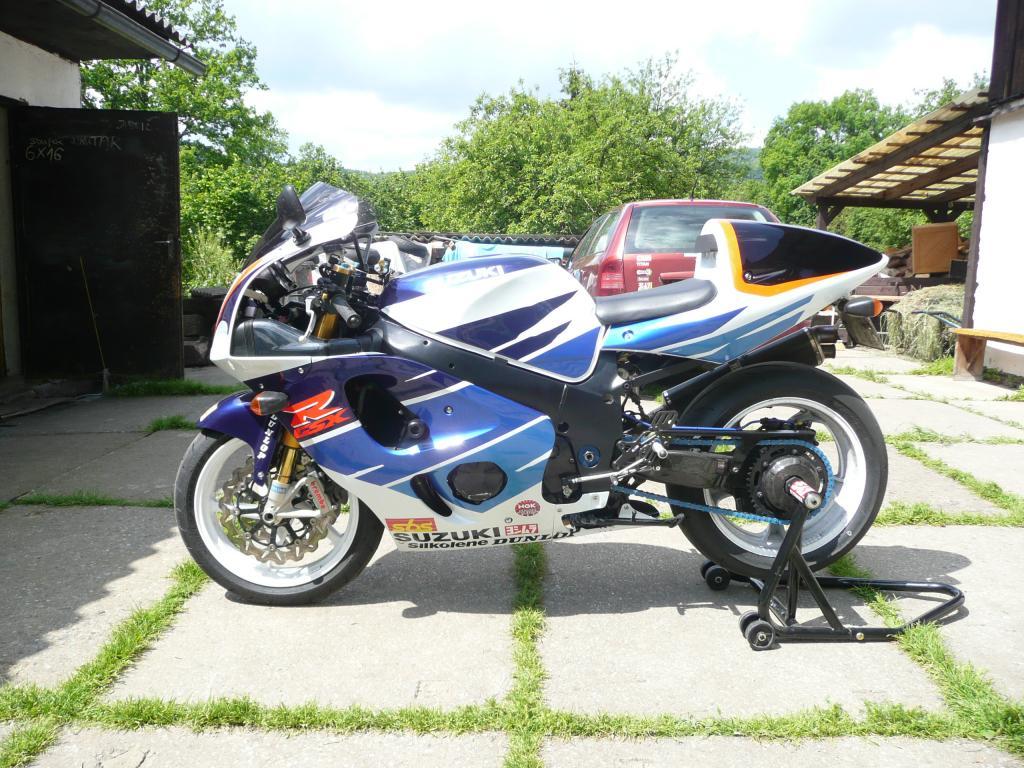 Suzuki 750/ 600 SRAD - Page 7 P1090573_zps3481b0a0
