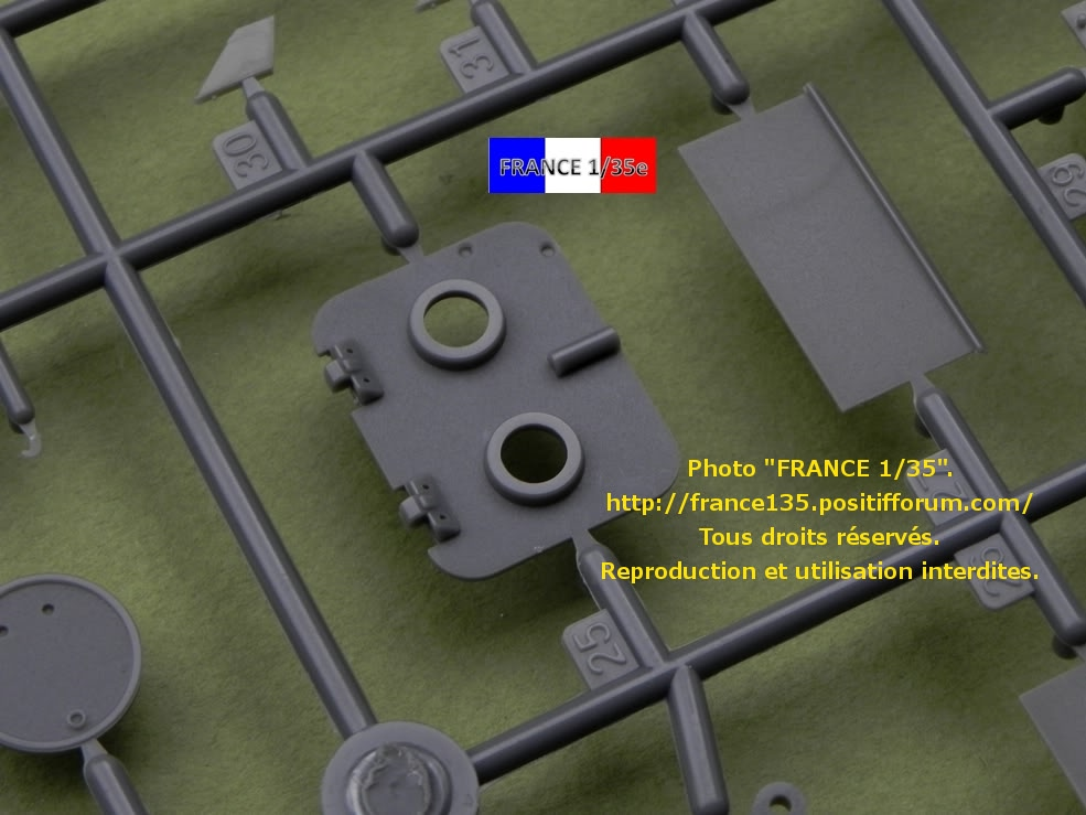 """Panzerkampfwagen VII """"Löwe"""". Amusing-Hobby (Amusinghobby). 1/35, ref 35A005. Plastique injecté, métal et photodécoupe. FRANCE135_PZKWVIILOWE_AMUSINGHOBBY_1-35_REF35A005_25_zps11a9cd4c"""