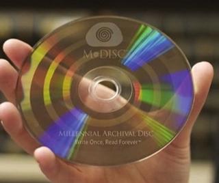 Музыкальные носители - что их ждет в 21 веке? - Страница 3 M-disc1_zps30904ee6