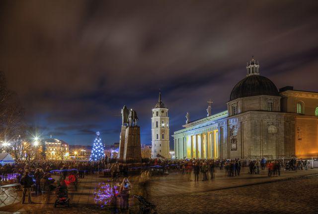 Поздравления с праздниками! - Page 2 Vilnius_aikste_zps2f7ac4c5
