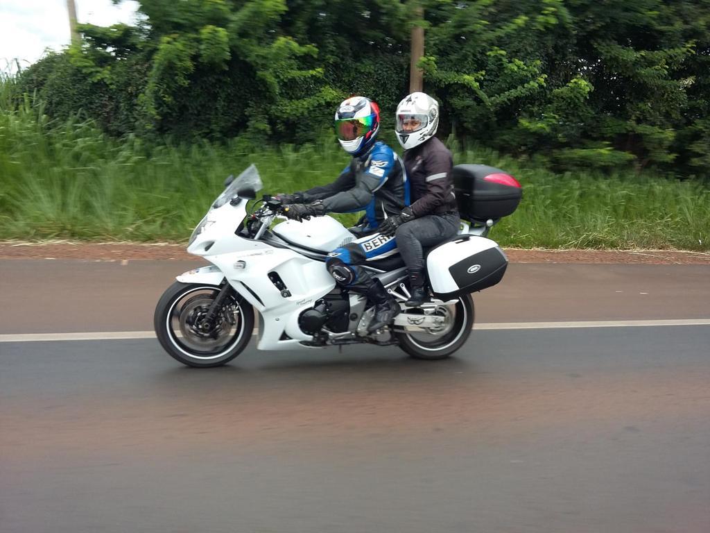 Suzuki GSX 1250 FA Suzuki%20GSX%201250%20FA%2013_zpswnix3muv