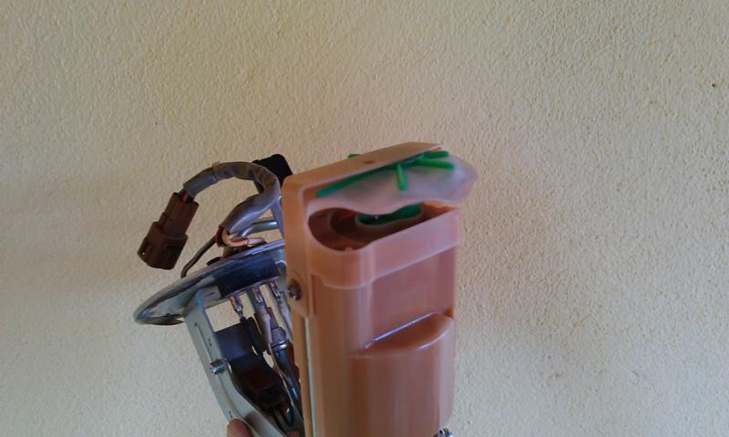 (TUTORIAL) consertando a bomba de combustível - Página 3 Image16_zpsd48c25c3