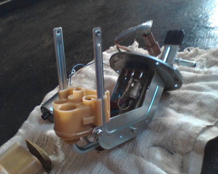 bomba - (TUTORIAL) consertando a bomba de combustível LimpezaBomba21_zps228ceac7