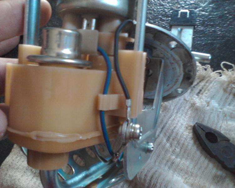 bomba - (TUTORIAL) consertando a bomba de combustível LimpezaBomba24_zps497df612