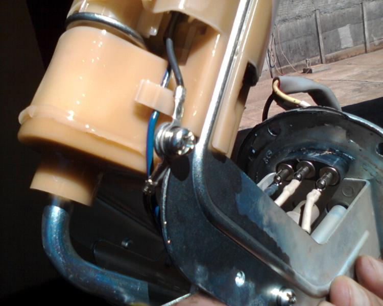 bomba - (TUTORIAL) consertando a bomba de combustível LimpezaBomba6_zps48751d33