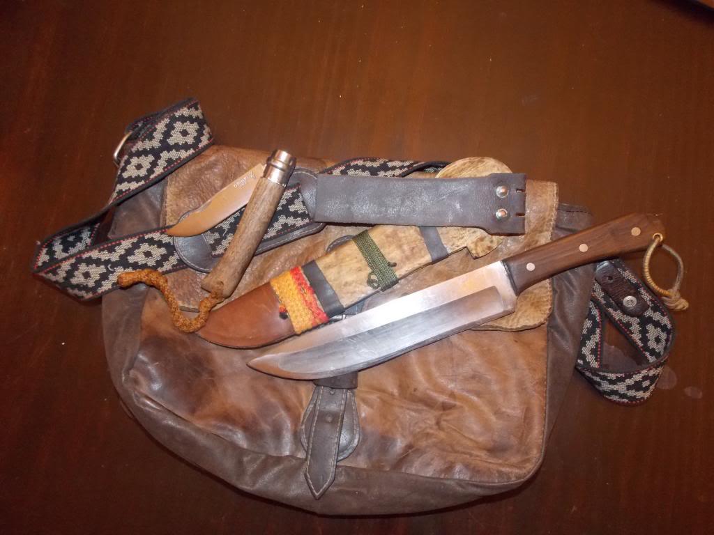 Machetes y cuchillos que uso en mis salidas DSCN1088_zpsedf01e33