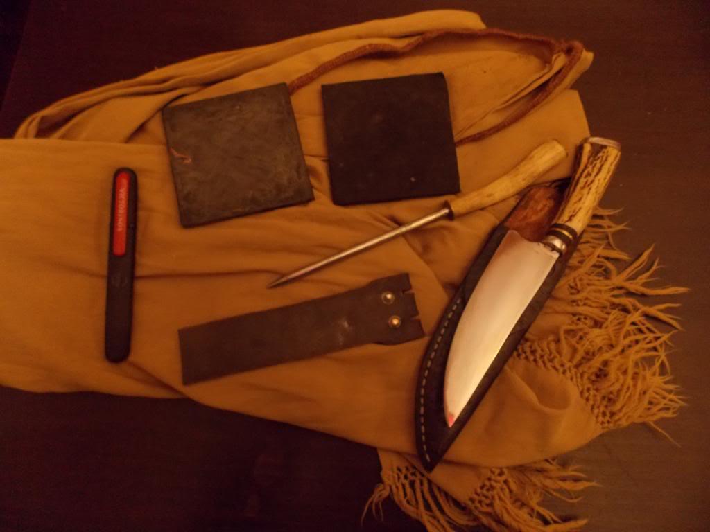 Machetes y cuchillos que uso en mis salidas DSCN1102_zps8fceb7d3