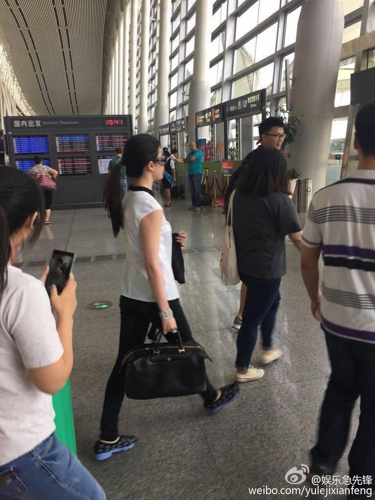 [11/08/2015] สนามบินหวงฮวา นครฉางซา 669fbb2dgw1euyujanjm3j20qo0zkdjm_zpsigqqfsu8