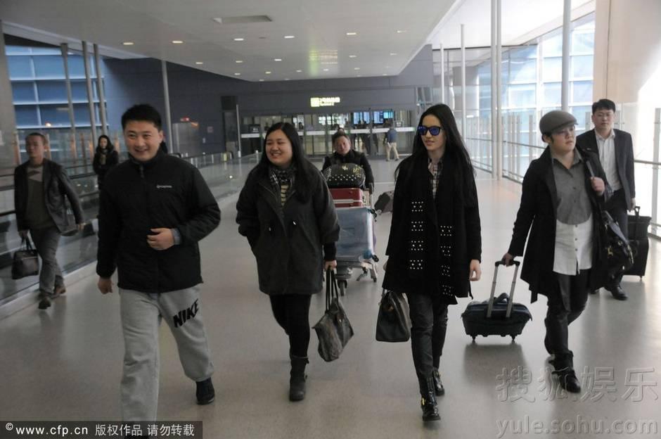 [09/03/14] เดินทางมาเซี่ยงไฮ้เตรียมเปิดกล้อง Lu Shui Hong Yan Img6313963_n_zpsf84ac1a0