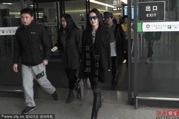 [09/03/14] เดินทางมาเซี่ยงไฮ้เตรียมเปิดกล้อง Lu Shui Hong Yan Ac530fb30f2442a724417010d343ad4bd113023e_zps14b345ed