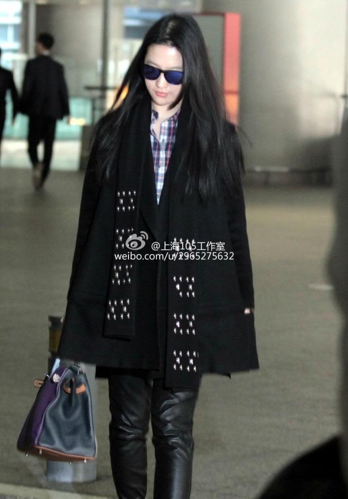 [09/03/14] เดินทางมาเซี่ยงไฮ้เตรียมเปิดกล้อง Lu Shui Hong Yan B0be83f0gw1ee9wpky80qj21kw29hnd2_zps5404d992