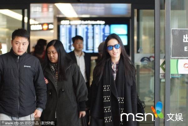 [09/03/14] เดินทางมาเซี่ยงไฮ้เตรียมเปิดกล้อง Lu Shui Hong Yan Eb95ad7c-4f75-46df-87a7-8c86ce6bd495_zpsd6b8cbba