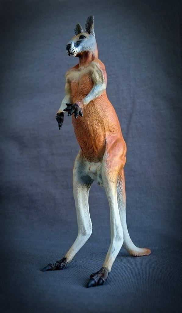 Southlands Replicas - Red Kangaroo Buck, Dingo and Echidna 14_zps9csf67av
