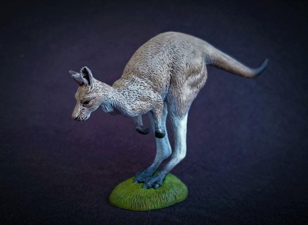 Southlands Replicas - Eastern Grey Kangaroo Hopping 1_zpsktayn9ed