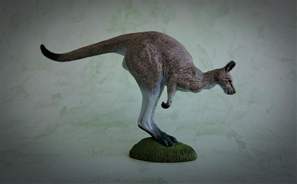 Southlands Replicas - Eastern Grey Kangaroo Hopping 2_zpsqro9ar5h