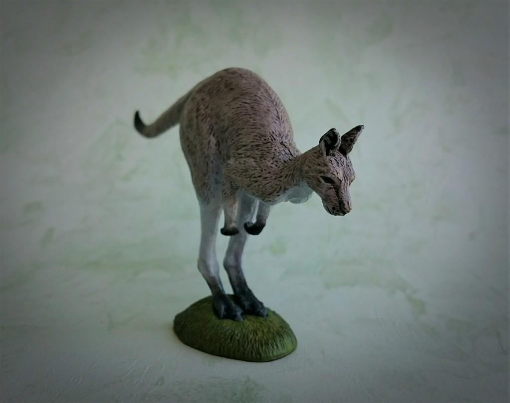 Southlands Replicas - Eastern Grey Kangaroo Hopping 7_zpsje0cwsqt