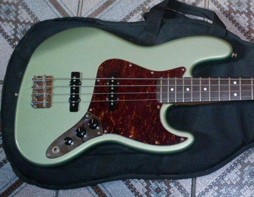 Mostre o mais belo Jazz Bass que você já viu - Página 7 SDC14097_zps9f5a6bb2