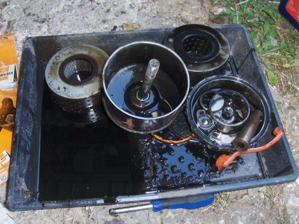 My Vanden Plas Auto Resto - Page 3 112Oilfilterbits_zpse20ad8bd