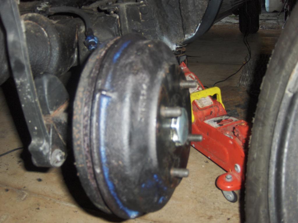 My Vanden Plas Auto Resto - Page 3 141Hubcompleted_zps173af2b6