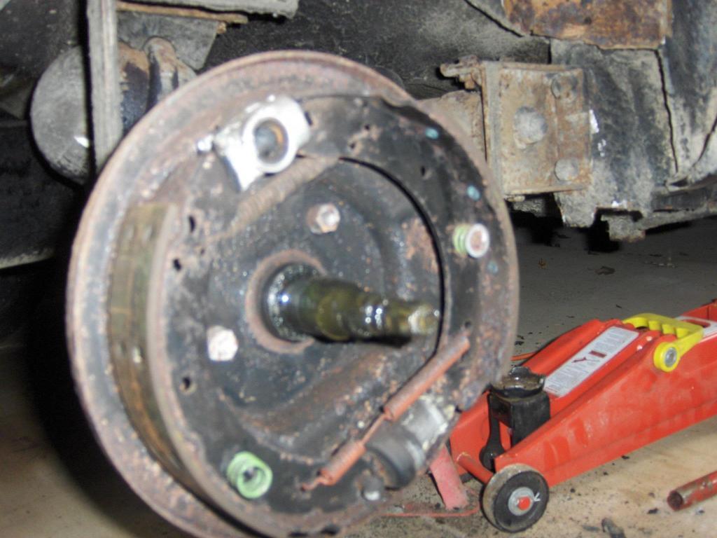 My Vanden Plas Auto Resto - Page 3 243671_438699996162547_772227297_o