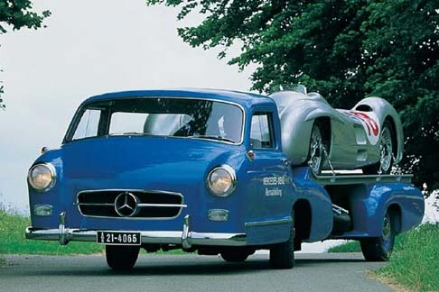 Mercedes 300 transporter (1952) D5183d83f4f323d0a35a030b0627d4c3_zpsf6f72797