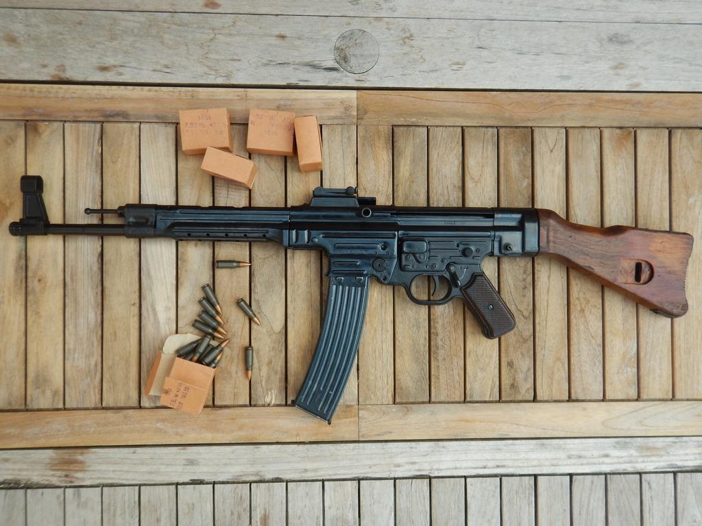 Achtung Sturmgewehr MP44 DSCN7675_zpsbp3pgpdi