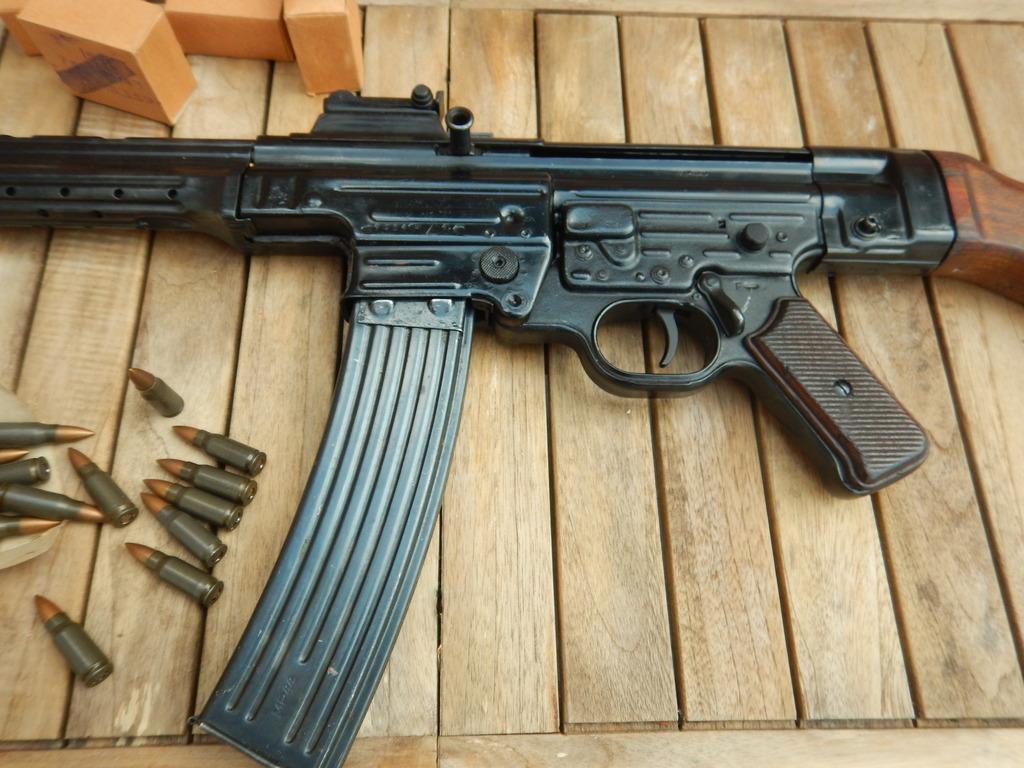 Achtung Sturmgewehr MP44 DSCN7677_zpsyvz2vp7j
