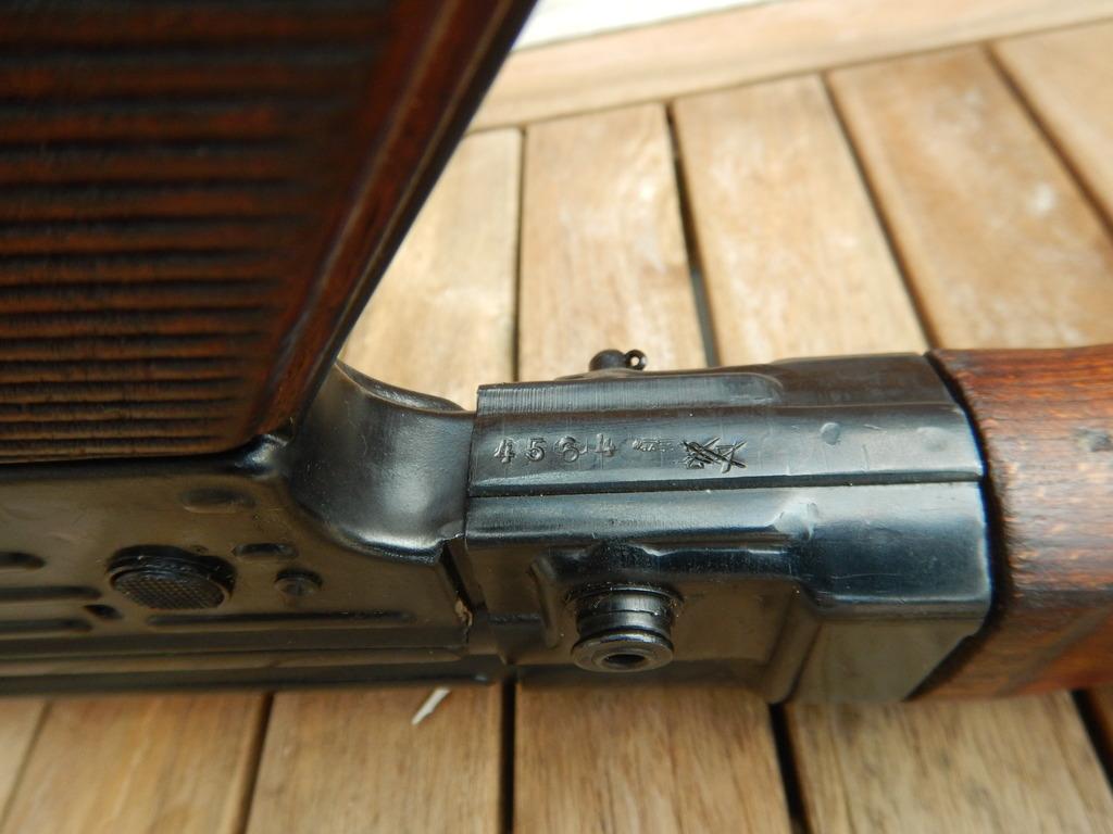 Achtung Sturmgewehr MP44 DSCN7680_zpsp7dh4khd